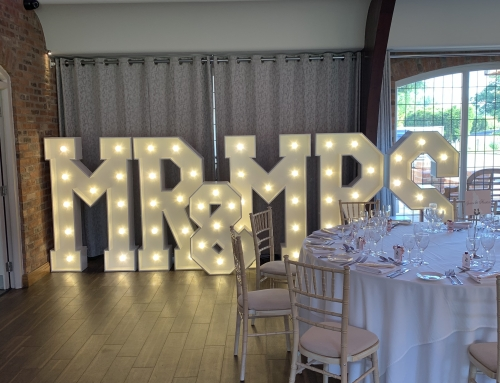 Colshaw Hall – Magic Mirror – MR&MRS – Make It Stand Out